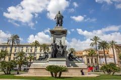 Camillo Benso, Telling van Cavour-standbeeld in Rome stock foto's