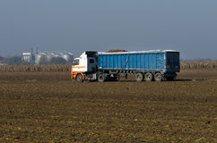 Camión cargado Fotografía de archivo libre de regalías