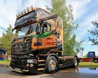 Camión de Scania R620 V8 de Martin Pakos en la reunión del camión de la orilla Imagen de archivo libre de regalías