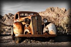 Camión oxidado viejo en la ciudad de Nelson Ghost, los E.E.U.U. Fotografía de archivo libre de regalías