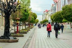Camina la ciudad ucraniana magnífica de A Ivano-Frankivsk 2017 años Fotografía de archivo libre de regalías