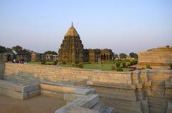 Caminado bien en el templo de Mahadeva, fue construido circa 1112 el CE por Mahadeva, Itagi, Karnataka Fotos de archivo libres de regalías