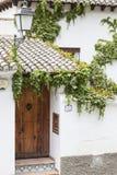 Caminando alrededor de vecindad histórica, Granada, España, 2013 fotos de archivo