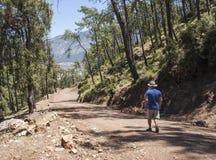 Caminando cuesta arriba de Hisaronu, Turquía Fotografía de archivo libre de regalías