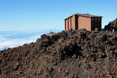 Caminando en el parque nacional de Teide en las islas Canarias de Tenerife, España, Europa Imagen de archivo