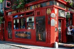 Caminando a través de las calles de Dublín, Irlanda Foto de archivo libre de regalías