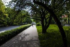Caminando a través de las calles, Varsovia foto de archivo