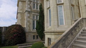 Caminando Wing Stairs Palace del este trasero de la Magdalena 02 almacen de video