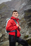 Caminante adolescente en la montaña Imágenes de archivo libres de regalías