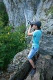 Caminante adolescente que toma las fotos Imágenes de archivo libres de regalías