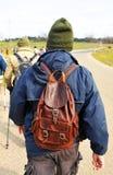 Caminante con la mochila, emigrando Imágenes de archivo libres de regalías