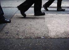 Caminante de la ciudad Imágenes de archivo libres de regalías