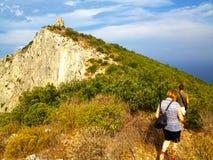 Caminante en el acantilado Imagen de archivo libre de regalías