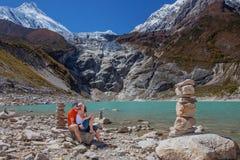Caminantes en Himalaya imagen de archivo libre de regalías