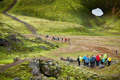 Caminantes en las montañas Imagen de archivo