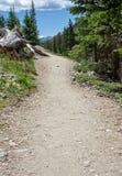 Caminar la trayectoria en Rocky Mountain National Park Fotos de archivo libres de regalías