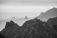 Caminar viaje en las montañas de Anaga cerca de Taborno en la isla de Tenerife Fotos de archivo libres de regalías
