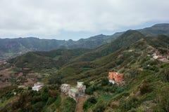 Caminar viaje en las montañas de Anaga cerca de Taborno en la isla de Tenerife Fotografía de archivo