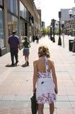 Caminata de la ciudad Imágenes de archivo libres de regalías