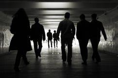 Caminata de la gente fotografía de archivo libre de regalías