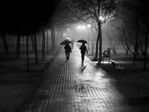 Caminata de la lluvia Imagen de archivo libre de regalías