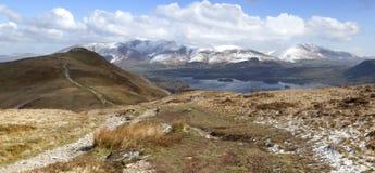Caminata de la montaña Imagenes de archivo