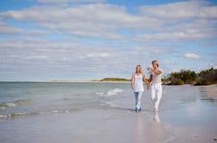 Caminata de la playa foto de archivo libre de regalías