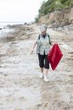 Caminata de la playa Fotos de archivo libres de regalías