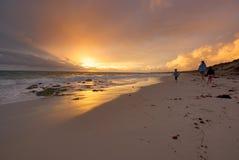 Caminata de la playa Imagen de archivo libre de regalías