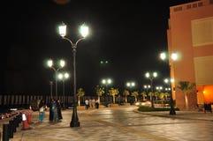 Caminata de la residencia de la playa de Jumeirah imagen de archivo libre de regalías
