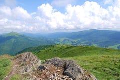 Caminata en las montañas Fotos de archivo libres de regalías