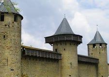 Caminata y torres del parapeto Fotos de archivo
