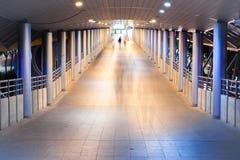 Camine en la luz Fotos de archivo