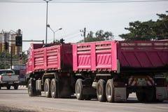 Caminhão basculante de Thanachai Empresa imagem de stock royalty free