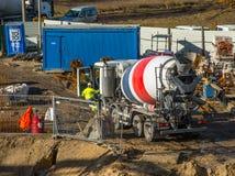 Caminhão concreto do agitador da entrega Fotos de Stock Royalty Free