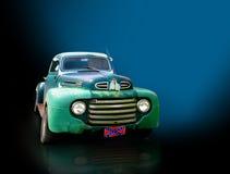 Caminhão da antiguidade ou do vintage Fotografia de Stock
