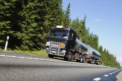 Caminhão de combustível no movimento Imagens de Stock Royalty Free