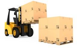 Caminhão de empilhadeira com as caixas de cartão em de madeira Imagem de Stock