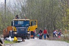 Caminhão de lixo foto de stock