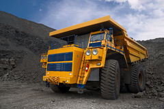 Caminhão de mineração grande Fotografia de Stock Royalty Free