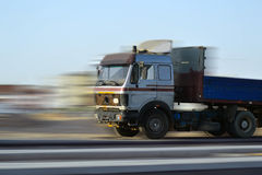 Caminhão de pressa e o motionblur Foto de Stock