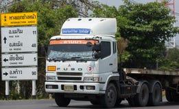 Caminhão de reboque de Mitsubishi Fuso de Lanna Logistic Company Cargo tr fotos de stock royalty free