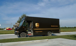 Caminhão de UPS com identificação do veículo do propano Fotografia de Stock Royalty Free
