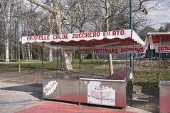Caminhão do alimento em Milão fotografia de stock