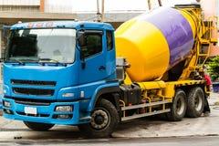 Caminhão do cimento fotografia de stock