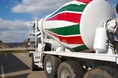 Caminhão do cimento imagem de stock