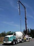Caminhão do concreto da construção Fotos de Stock