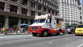 Caminhão do gelado video estoque