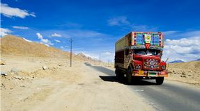 Caminhão do Kashmiri imagem de stock royalty free