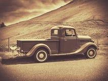 Caminhão do vintage do Sepia foto de stock
